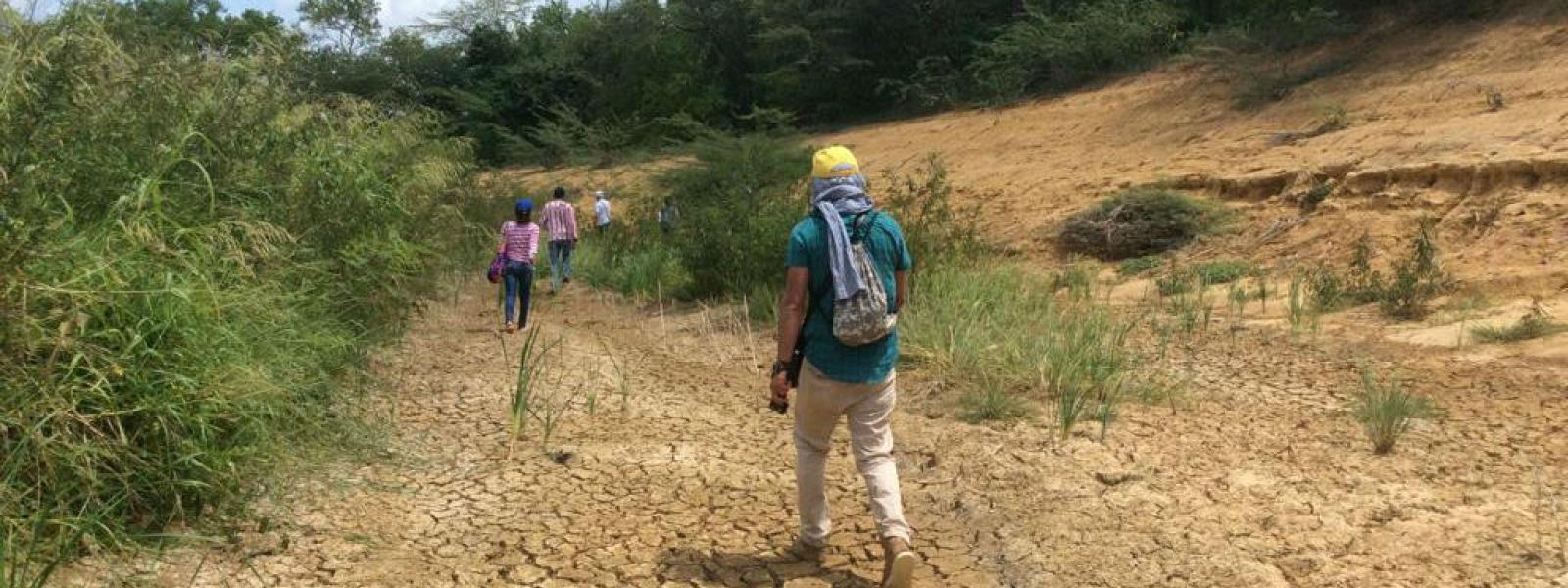 Un camino seco fue lo que dejó el desvío del arroyo Bruno en la Guajira, Colombia