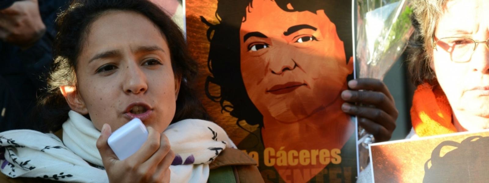Hija de Berta Cáceres