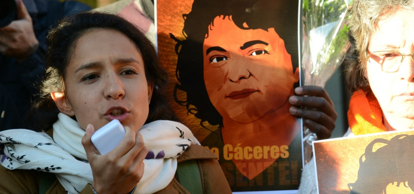 Berta Zuñiga Caceres speaks outside of the IACHR hearings in the OAS on April 5, 2016.